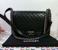 CHANEL LE BOY FLAP BAG MEDIUM 28 KALBSLEDER BLACK RUTHENIUM FINISH
